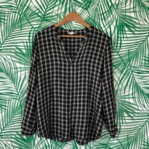 Soft by Joie Black & White Flannel Button Down L